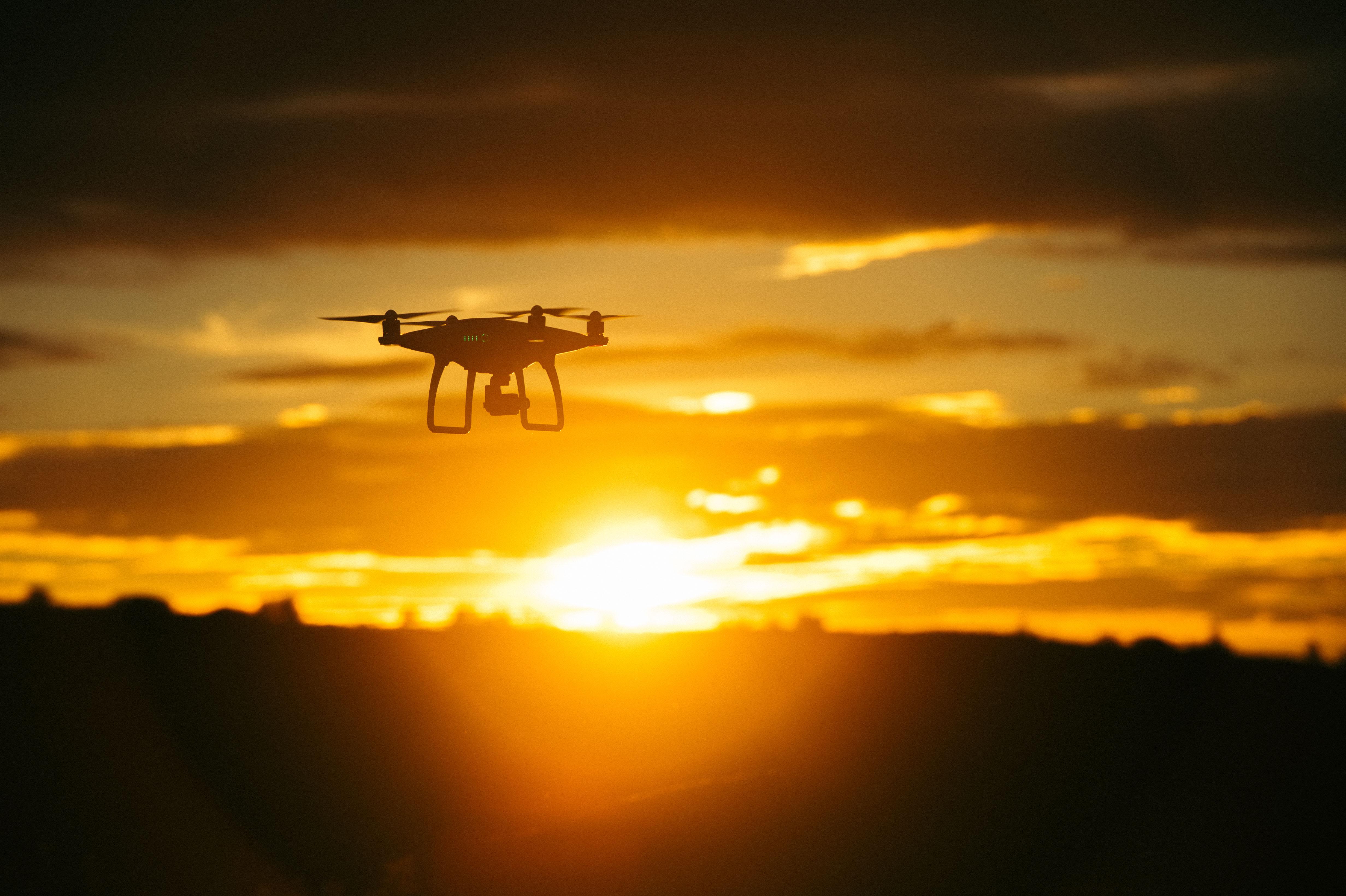 Drony w akcjach humanitarnych